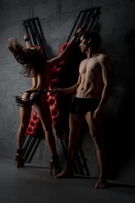 BDSM-Moebel-Andreaskreuz