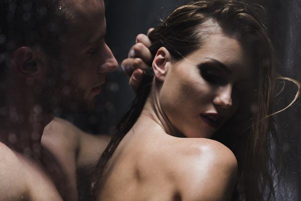 Sex-unter-der-Dusche