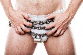 Das Spiel mit dem Keuschheitskäfig - zwischen Unterwerfung und Lust